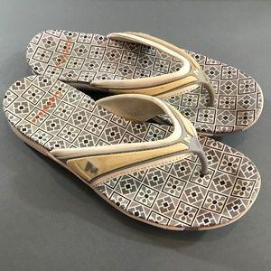 Merrell Womens Flip Flop Slip on Sandals, 6 1/2